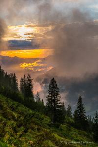Glühende Wolken