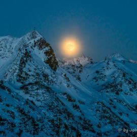 Vollmond – Supermond über den Alpen